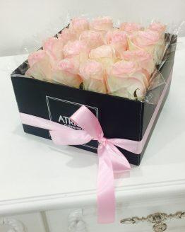 cajas de rosas y flores naturales